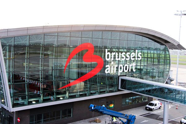 Small_brussels-airport_new-logo-on-building-1@2x
